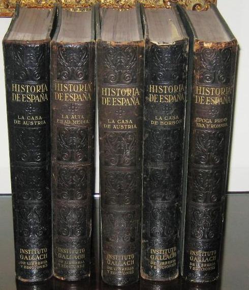 Imagen de los cinco volúmenes de la primera edición (sin confirmar) de la Historia de España del Instituto Gallach